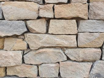 Ürömi mediterrán (falazó) szürke